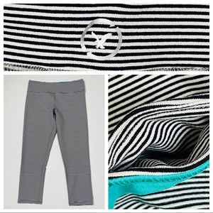 American Eagle crop yoga pants leggings Striped S